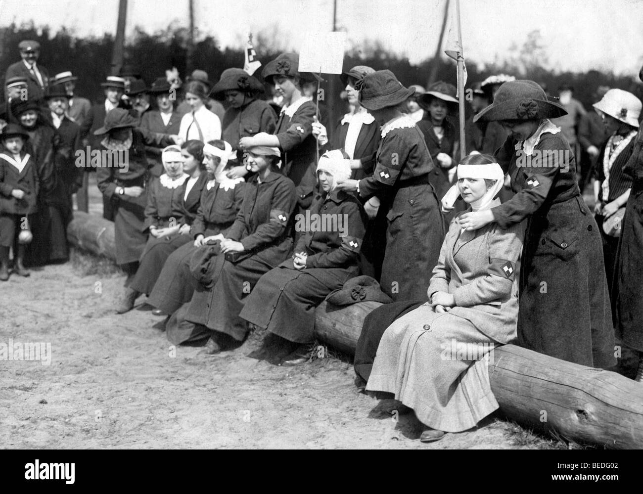 Historic photograph, paramedic training, around 1915 - Stock Image