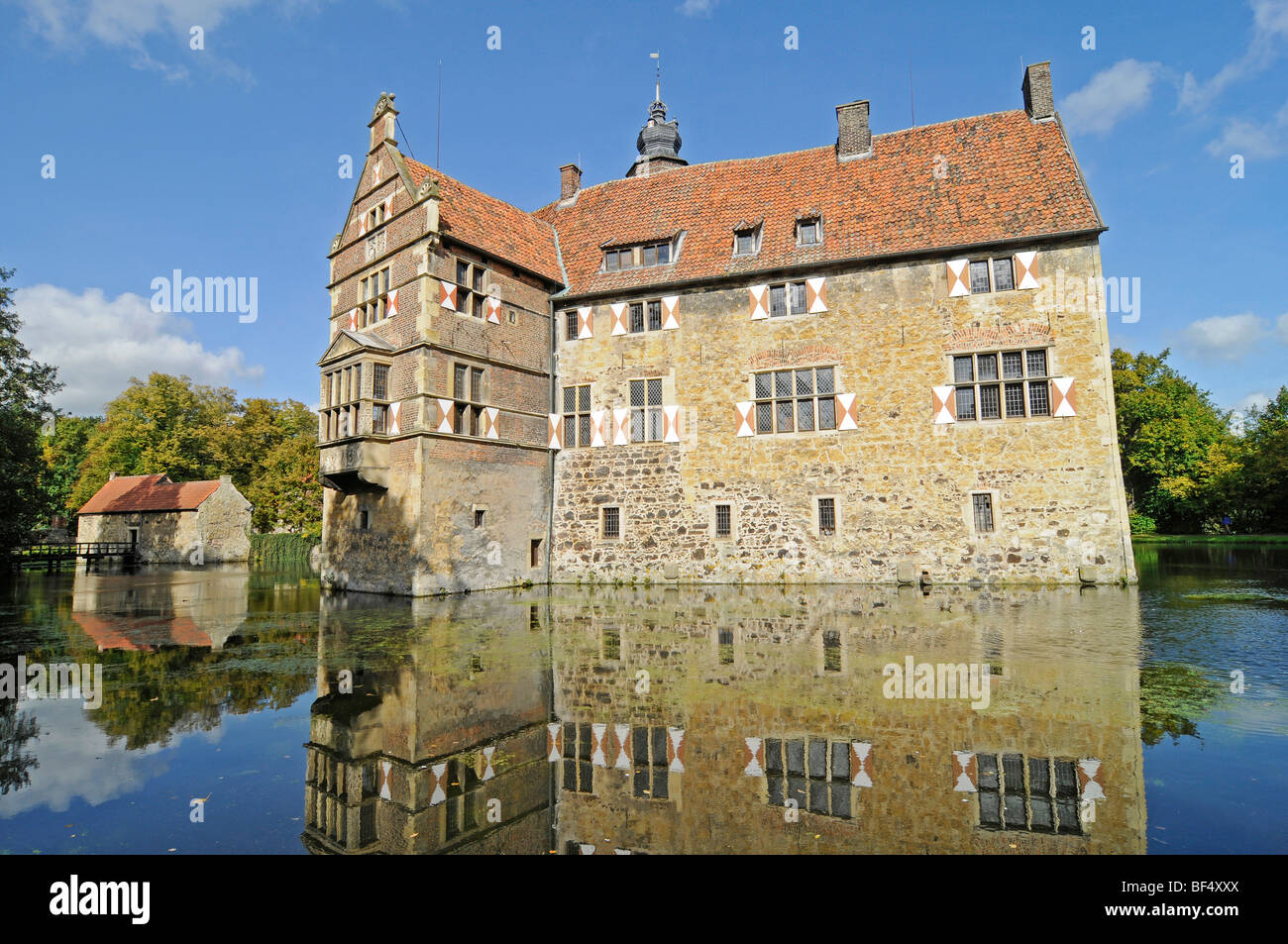 Wasserburg Vischering A Moated Castle Reflected In Its Moat Stock