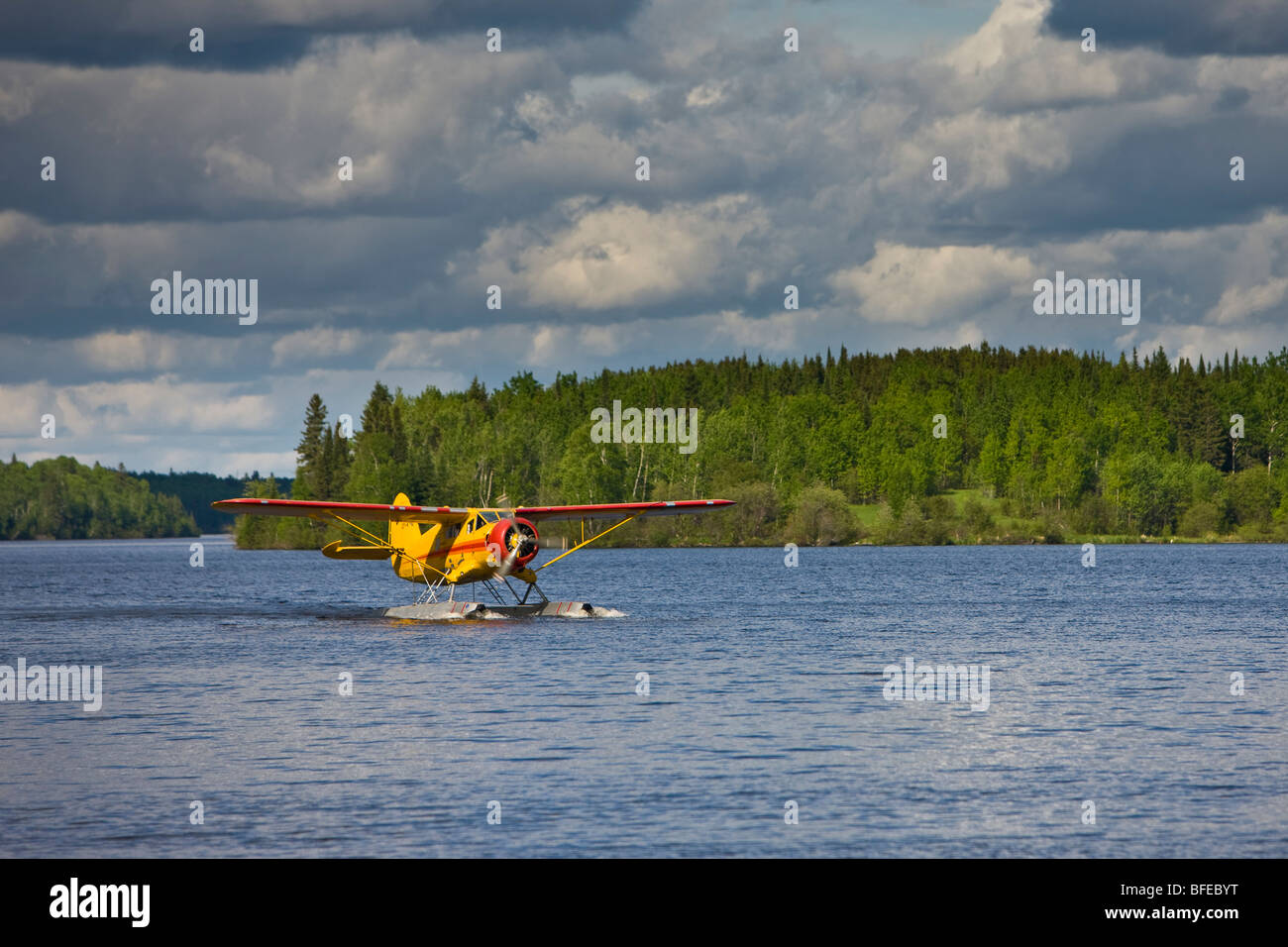 Norseman aircraft, Chimo Air Service, taxiing on the water in the town of Red Lake, Ontario, Canada - Stock Image