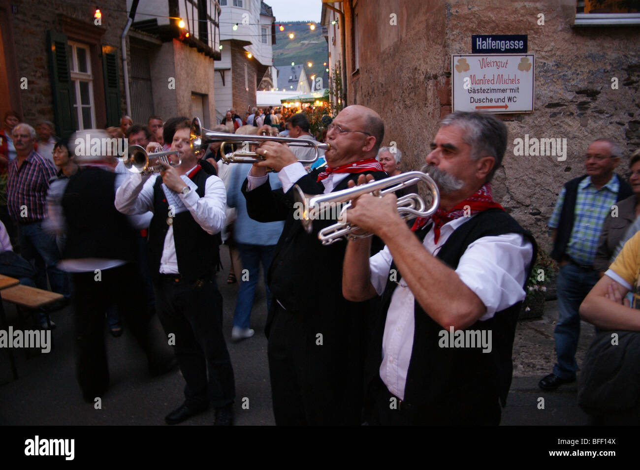 trumpeters-at-the-street-wine-festival-wolf-near-traben-trarbach-mosel-BFF14X.jpg