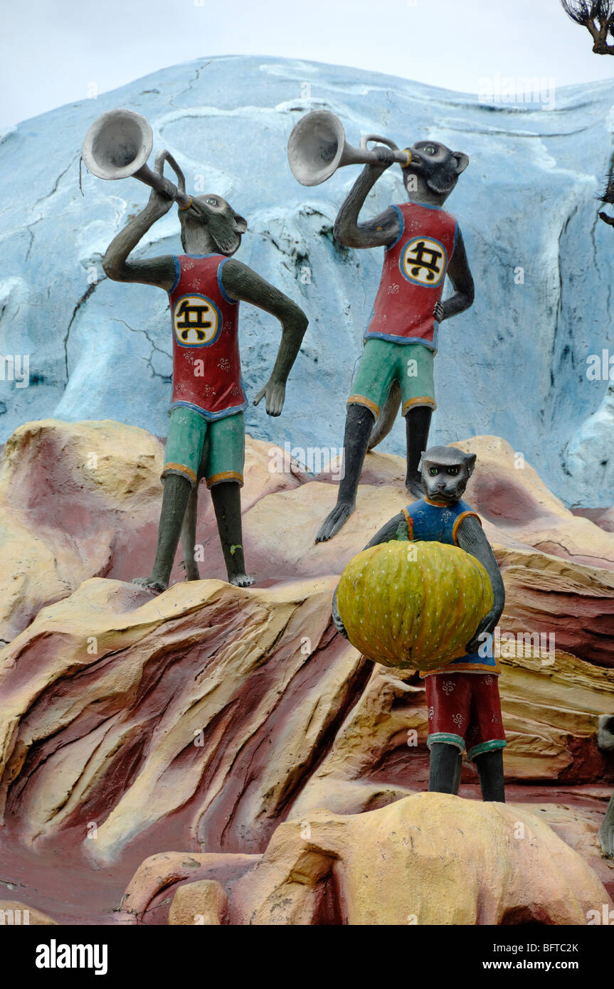 Monkeys Blowing Trumpets on Monkey Mountain, Monkey - Journey to the West, Statues at Tiger Balm Gardens Theme Park, - Stock Image