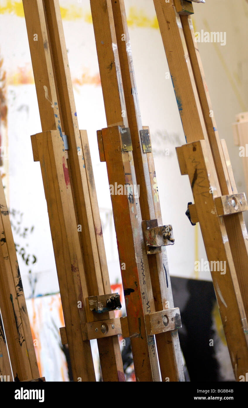 Photograph of artist easel painter education school lesson art - Stock Image