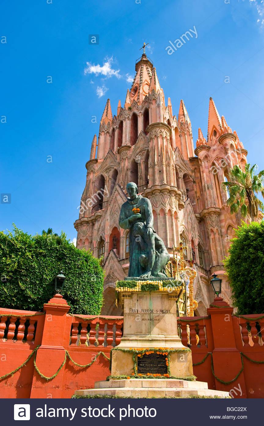 The Church of St. Michael the Archangel, Plaza Principal, San Miguel de Allende, Guanajuato state, Mexico - Stock Image