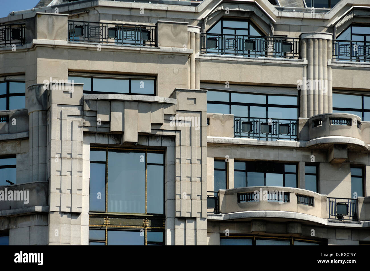 Cheap Art Deco Balconies U Facade Of The La Samaritaine Department Store  Paris France With Store Deco