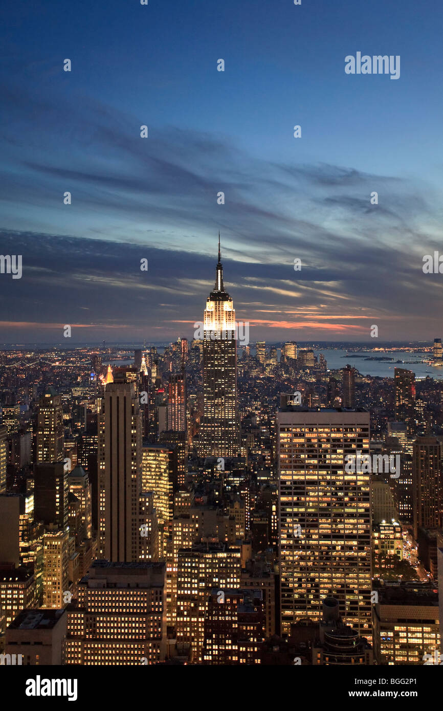 USA, New York, New York City, Empire State Building and lower Manhattan Skyline - Stock Image