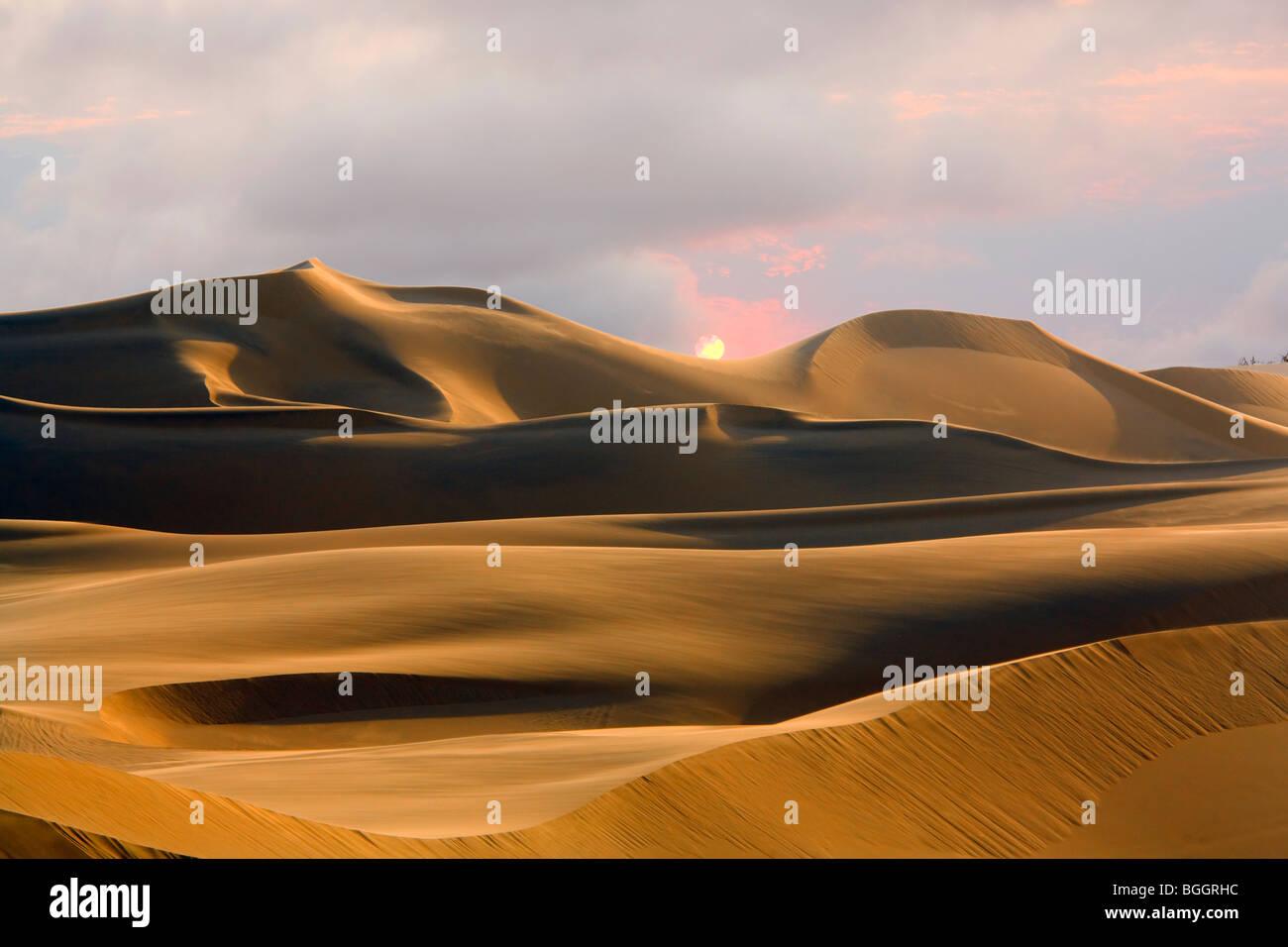 Sand dunes, Sossusvlei, Namib Desert, Namibia - Stock Image