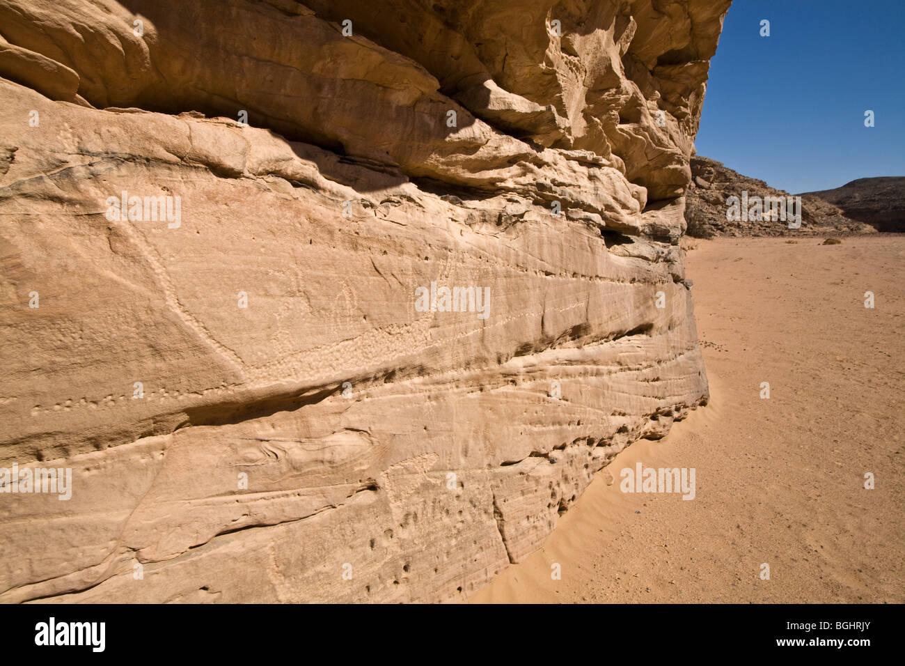 View along wadi floor showing rock-Art  in the Eastern Desert of Egypt. - Stock Image