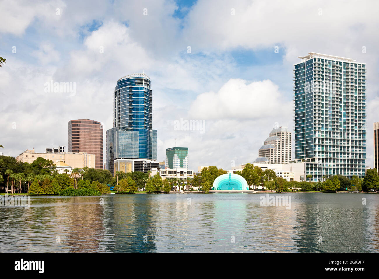 Orlando, FL - Aug 2008 - Modern architecture and bandshell on Lake Eola waterfront in downtown Orlando, Florida - Stock Image
