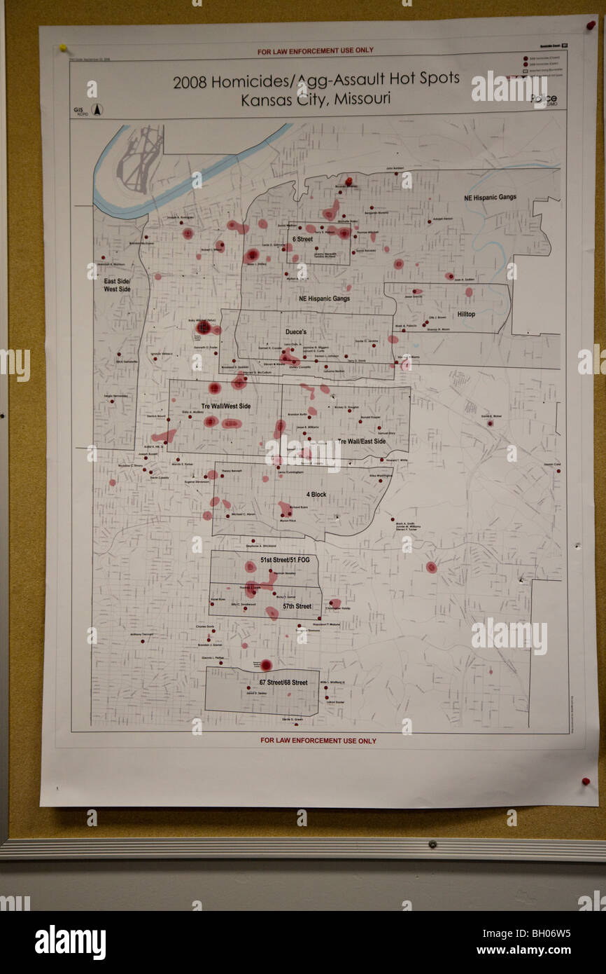 Poster showing homicides and aggravated assaults hot spots in Kansas City, MO, Police Department. Street Narcotics - Stock Image
