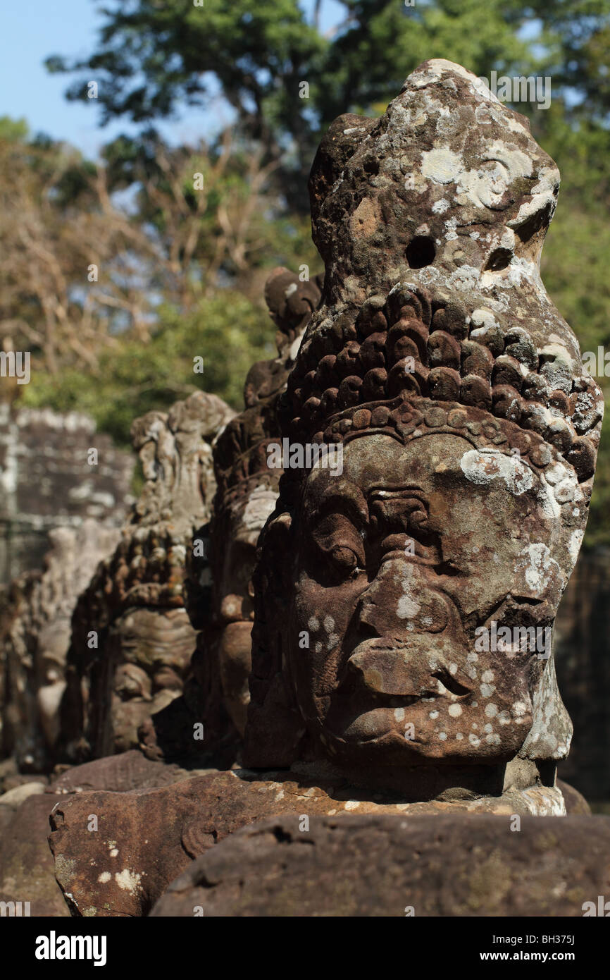 row-of-demons-at-the-entrance-to-angkor-