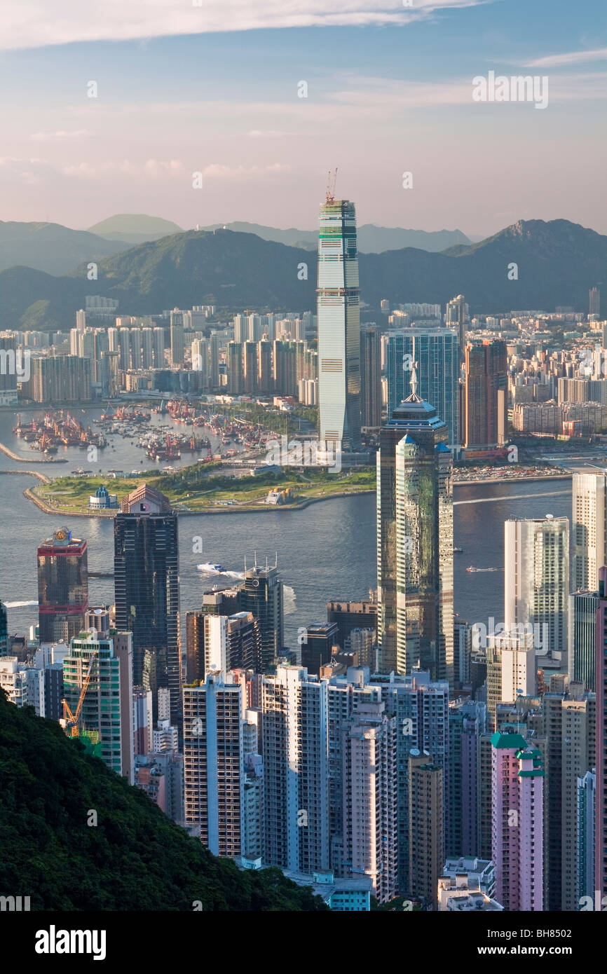 China, Hong Kong, Victoria Peak. View over Hong Kong from Victoria Peak. The skyline of Central sits below The Peak Stock Photo