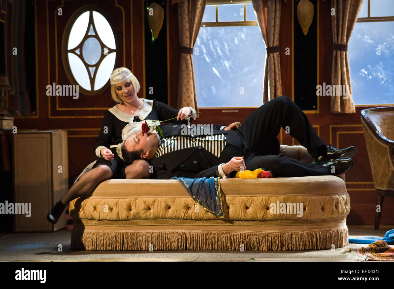 welsh-tenor-wynne-evans-as-pedrillo-and-claire-ormshaw-as-blonde-in-BHD43N.jpg