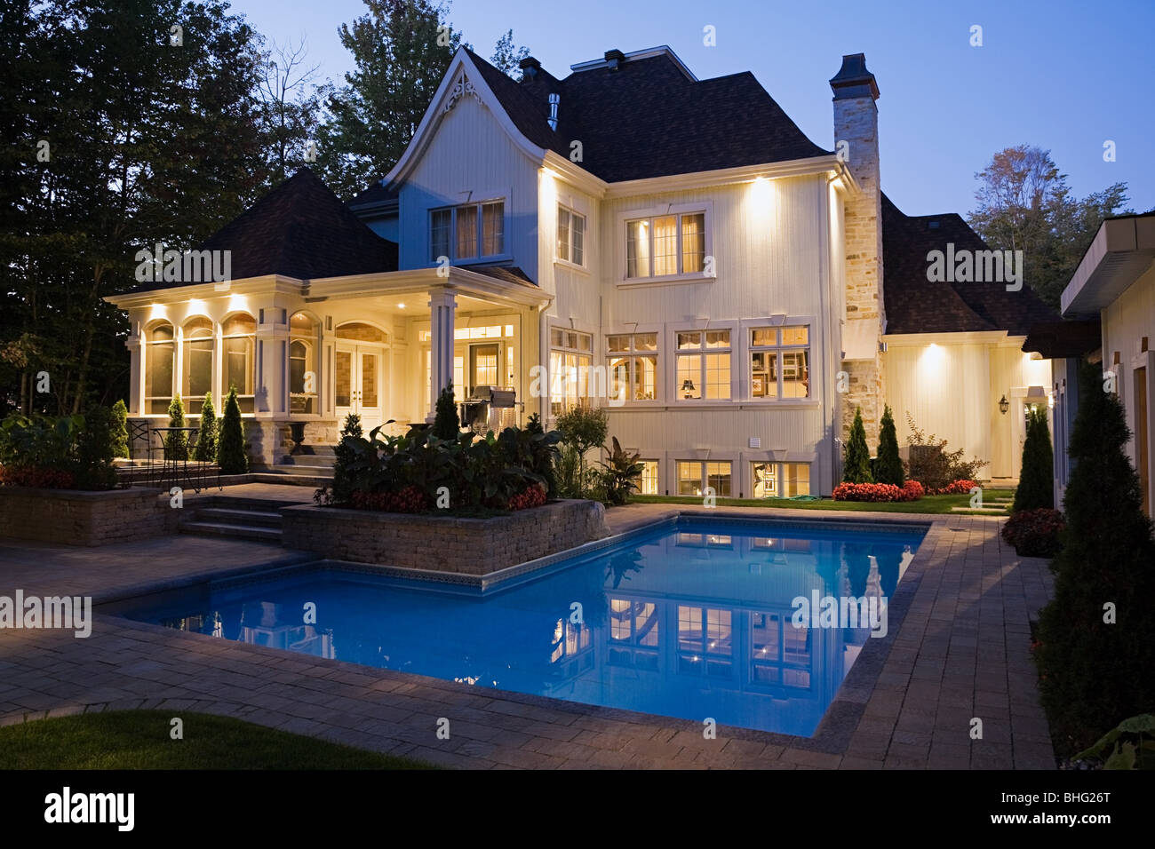 House with swimming pool - Stock Image