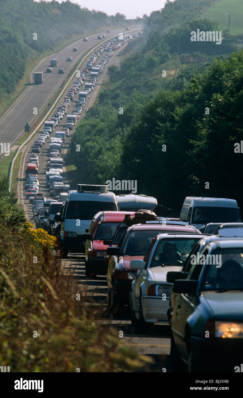 a-chaotic-holiday-traffic-jam-on-the-a30