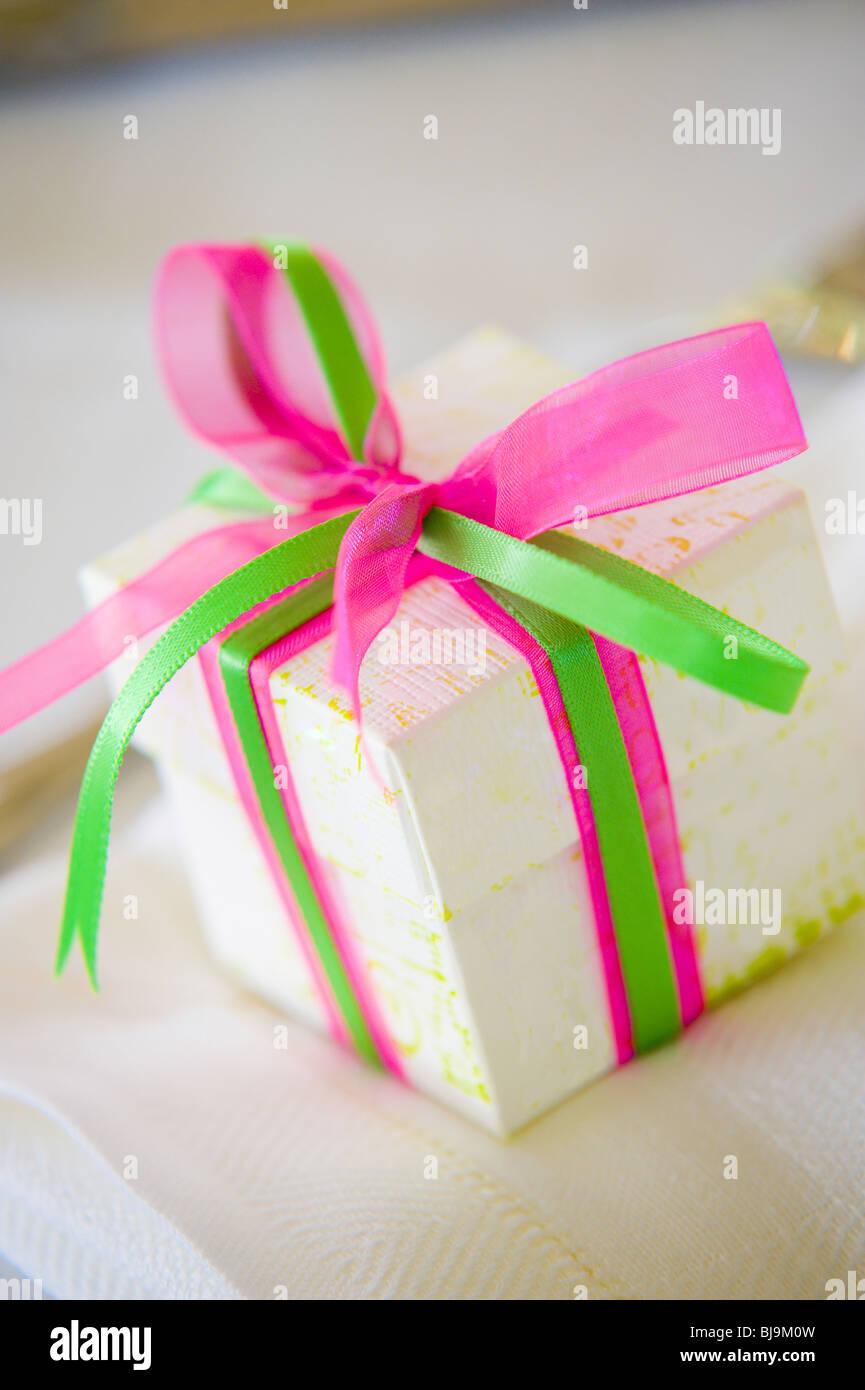 Wedding gift box with ribbon Stock Photo: 28487449 - Alamy