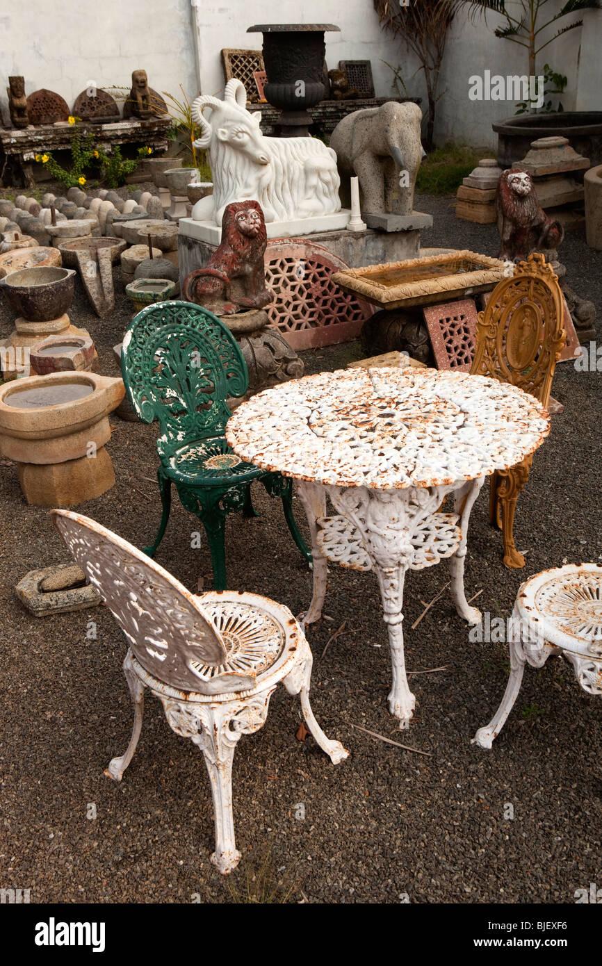 India, Kerala, Kochi, Mattancherry, Jewtown, old cast iron garden furniture  and features in architectural reclamation yard - India, Kerala, Kochi, Mattancherry, Jewtown, Old Cast Iron Garden