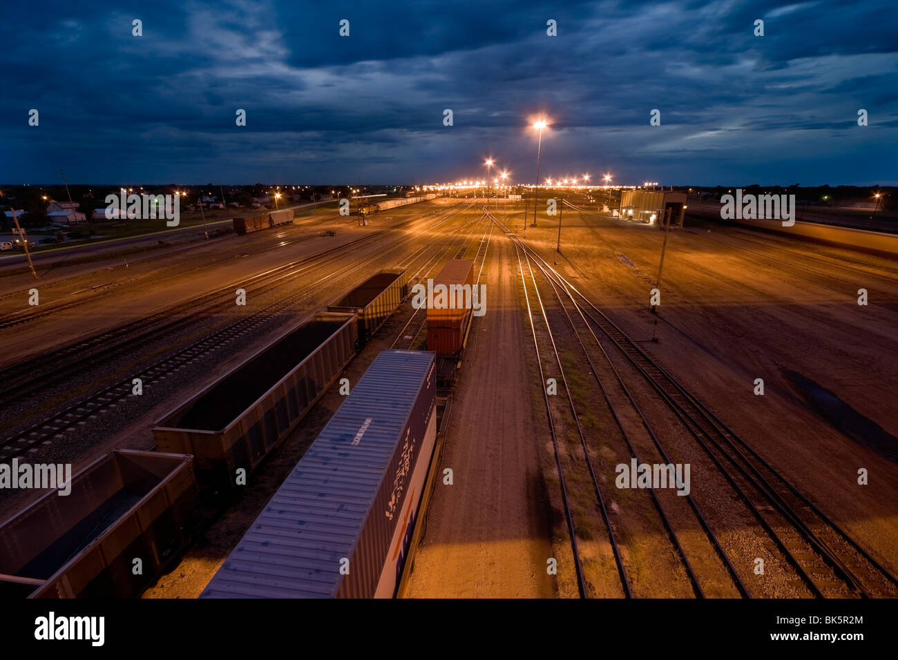 https://c7.alamy.com/comp/BK5R2M/the-eastern-entrance-to-bailey-railway-yard-in-north-platte-nebraska-BK5R2M.jpg