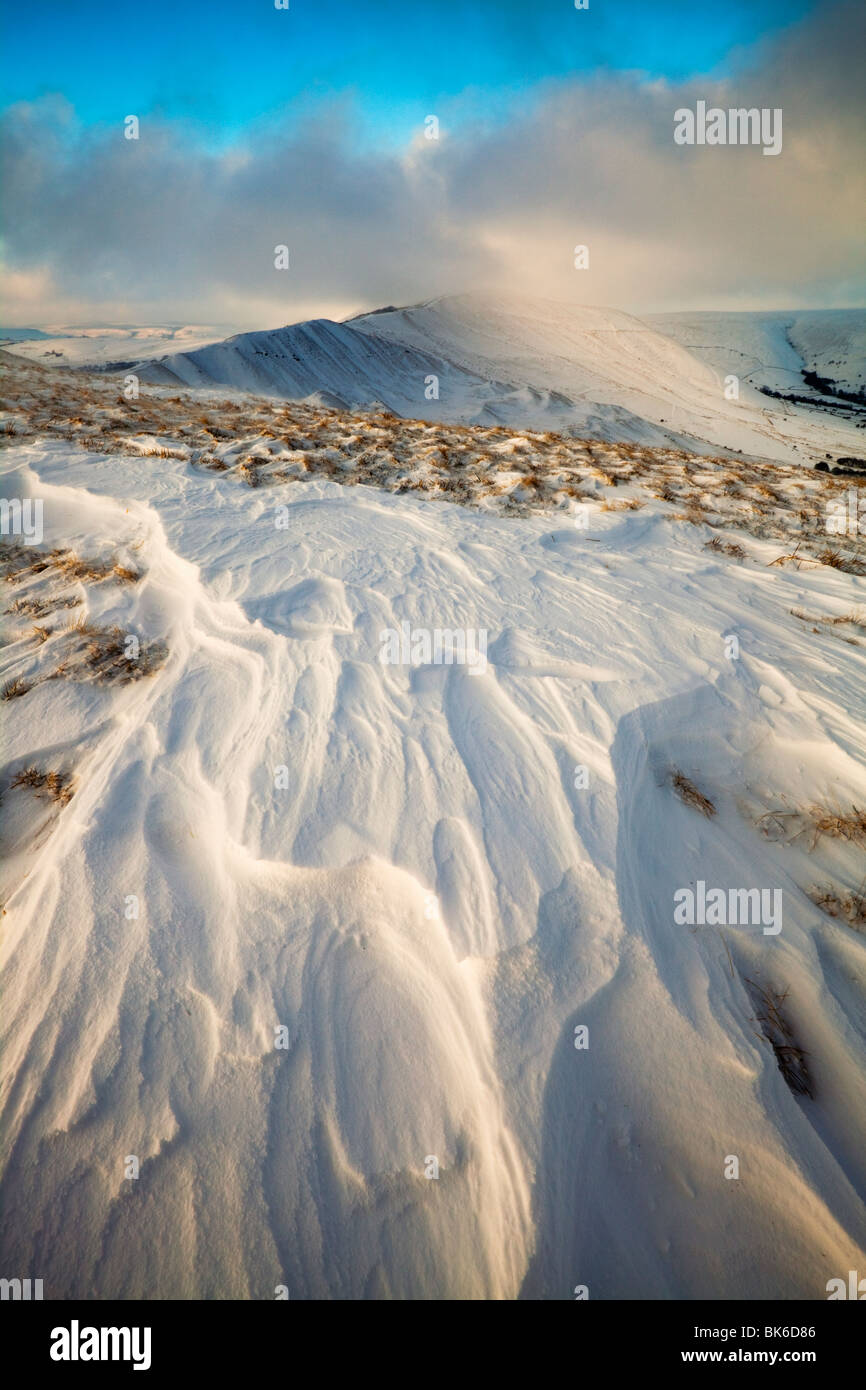 Early Morning View towards Horsehill Tor, Vale of Edale, with snow blown ridges in the foreground, - Stock Image