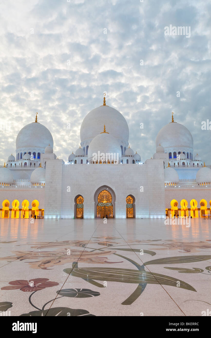 Sheikh Zayed Bin Sultan Al Nahyan Mosque, Abu Dhabi, United Arab Emirates, UAE - Stock Image