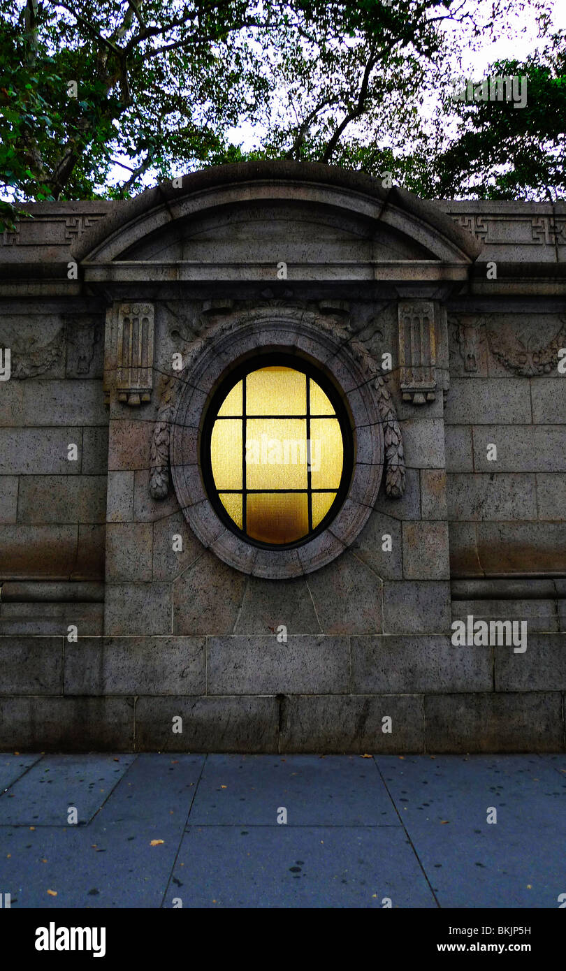 Decorative architectural detail of park wall in New York City. - Stock Image