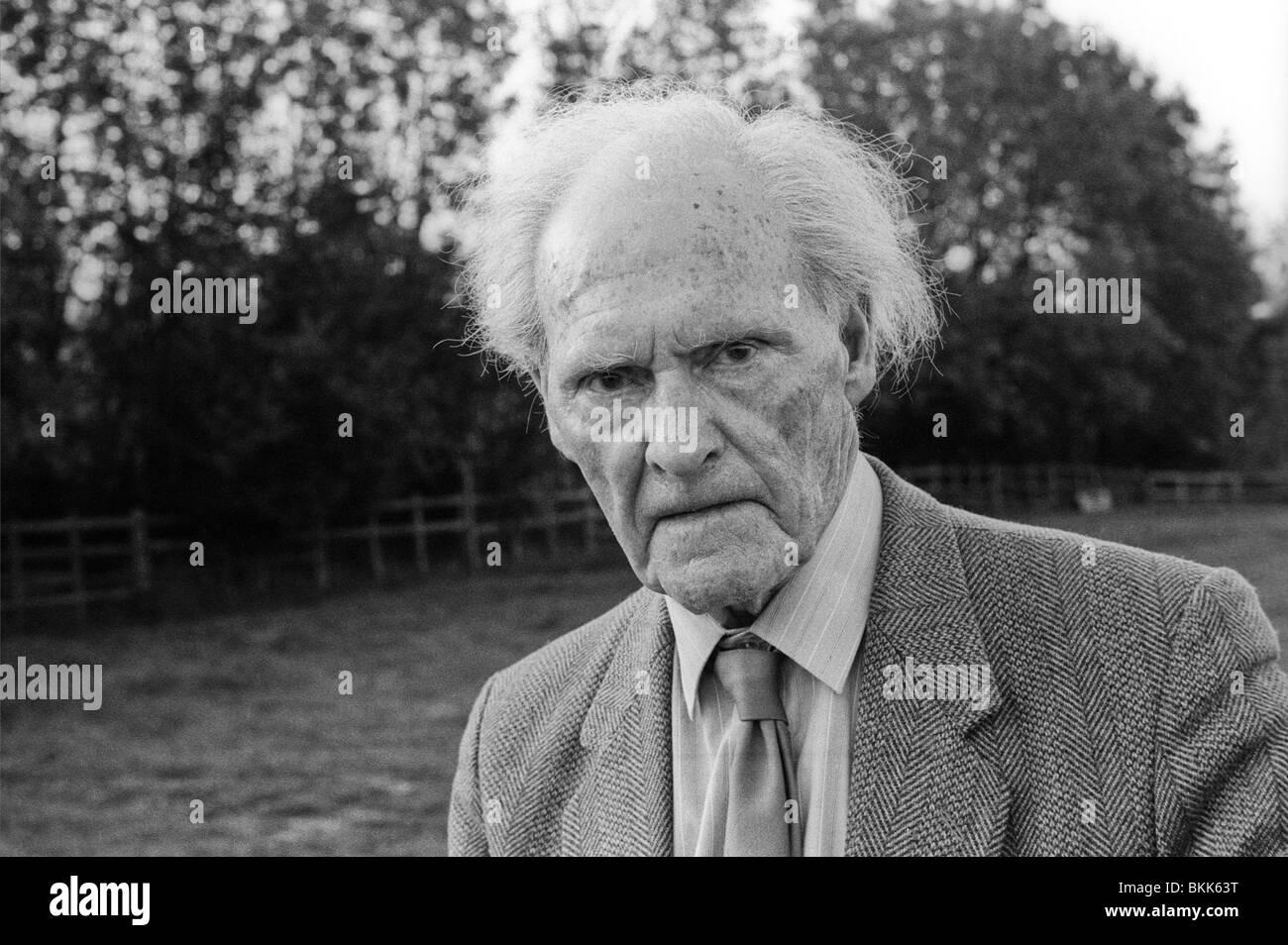 legendary-welsh-english-language-poet-rs-thomas-pictured-at-1992-hay-BKK63T.jpg