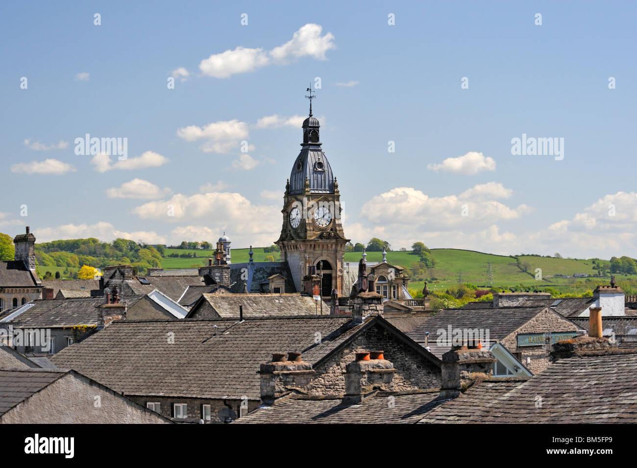 the-town-hall-kendal-cumbria-england-united-kingdom-europe-BM5FP9.jpg