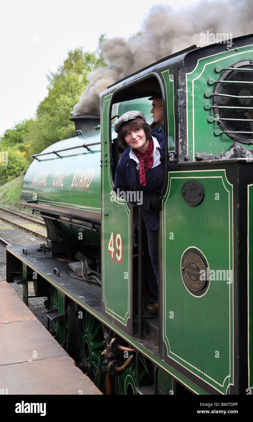 the-lady-fireman-of-tanfield-railway-no-