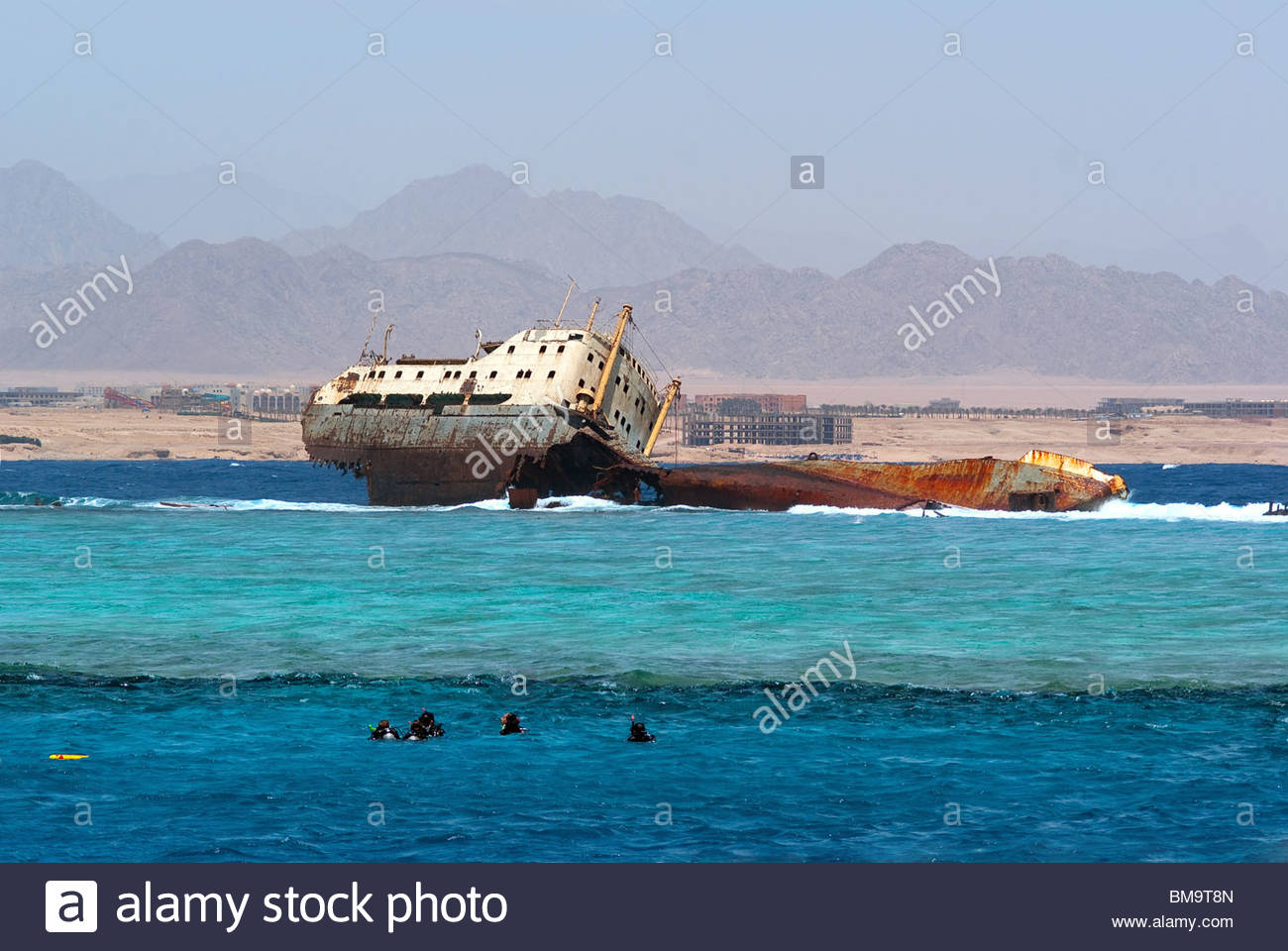 sharm-el-sheikh-egypt-diving-at-gordon-r