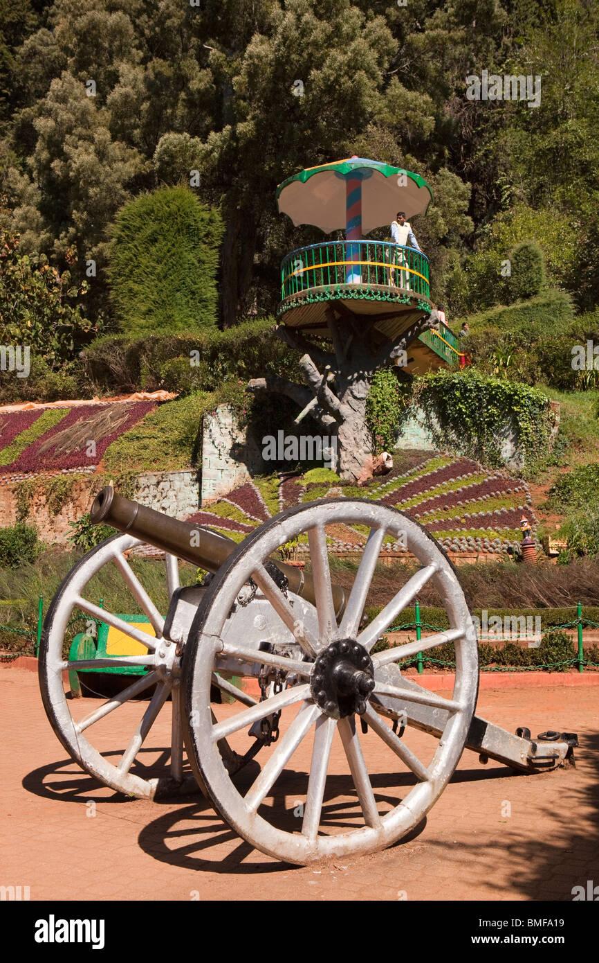India, Tamil Nadu, Udhagamandalam (Ooty), Botanical Gardens, Italian Garden terrace, old British colonial field - Stock Image