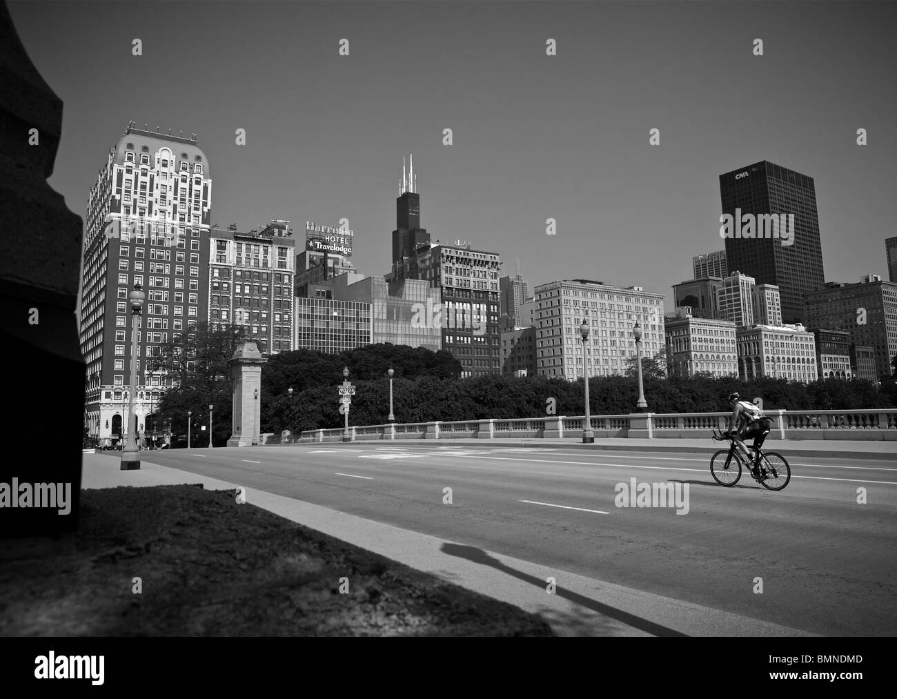 Chicago downtown bridge cyclist - Stock Image
