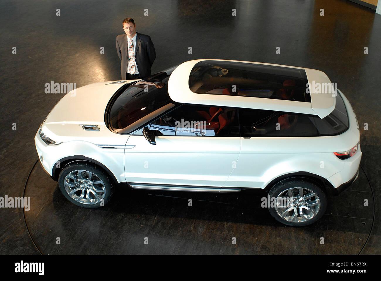https://c7.alamy.com/comp/BN67RX/managing-director-phil-popham-with-the-land-rover-lrx-concept-car-BN67RX.jpg