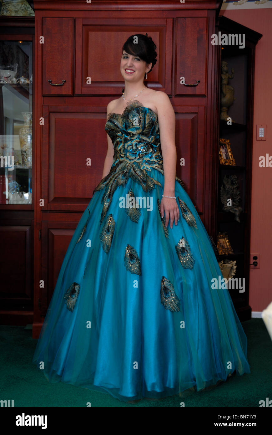 Magnificent Prom Dress Stores In Nyc Crest - All Wedding Dresses ...