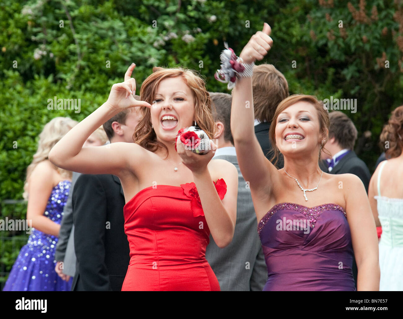 teenage-girls-dressed-up-for-their-secondary-school-prom-having-fun-BN7E57.jpg