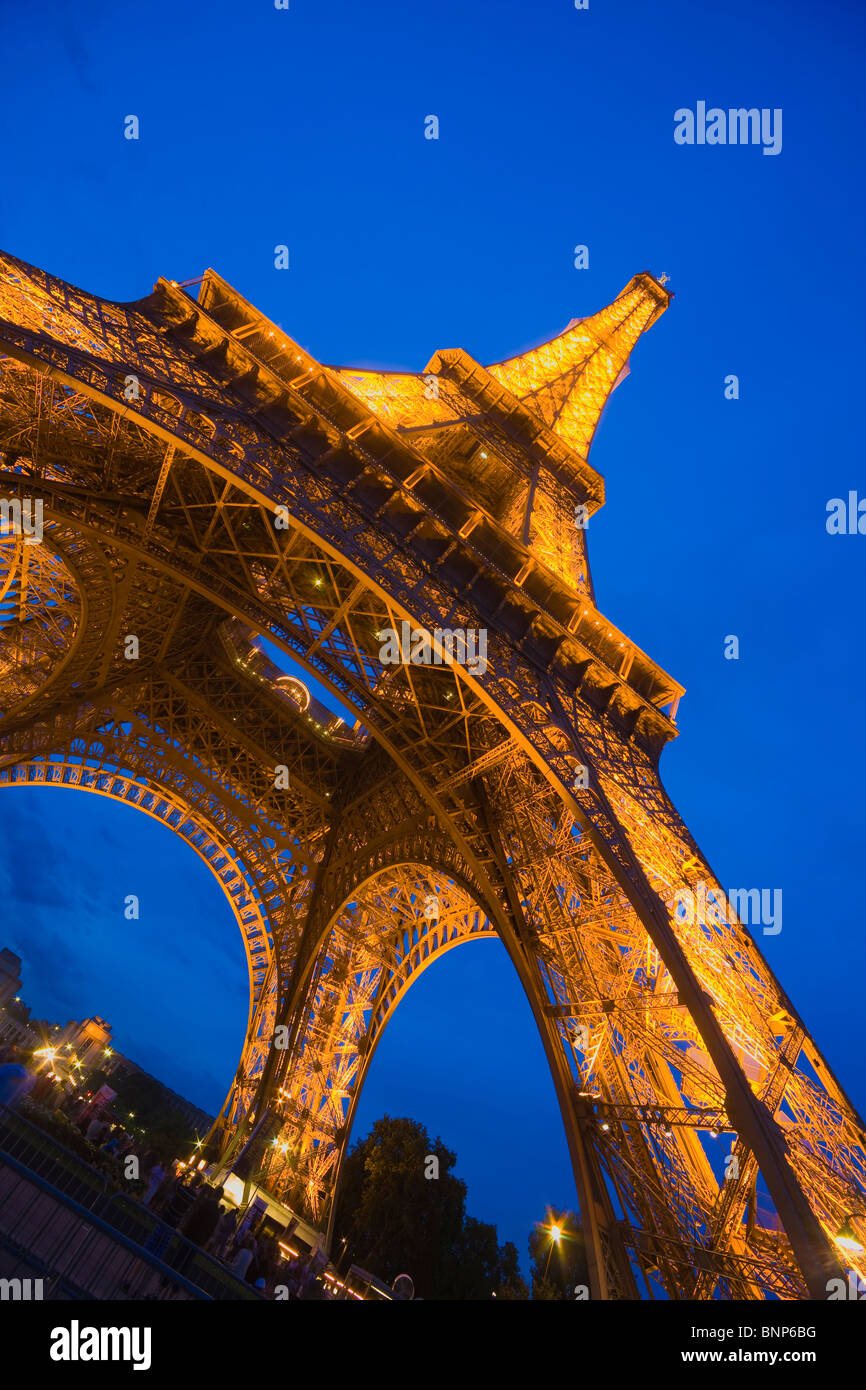 The Eiffel Tower at Night, Paris, France - Stock Image