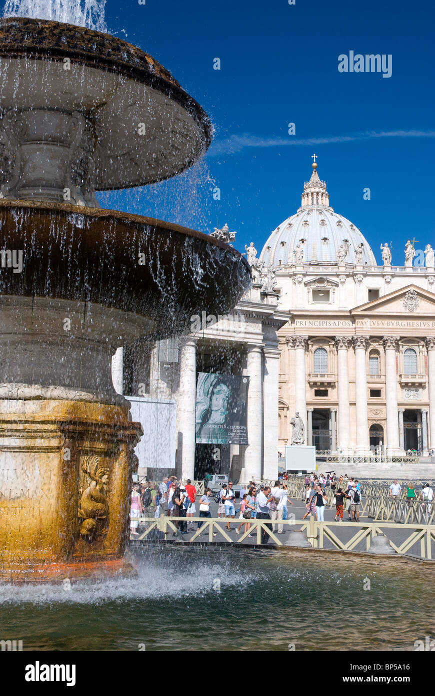 Fountain and St. Peter's Basilica, Rome - Stock Image