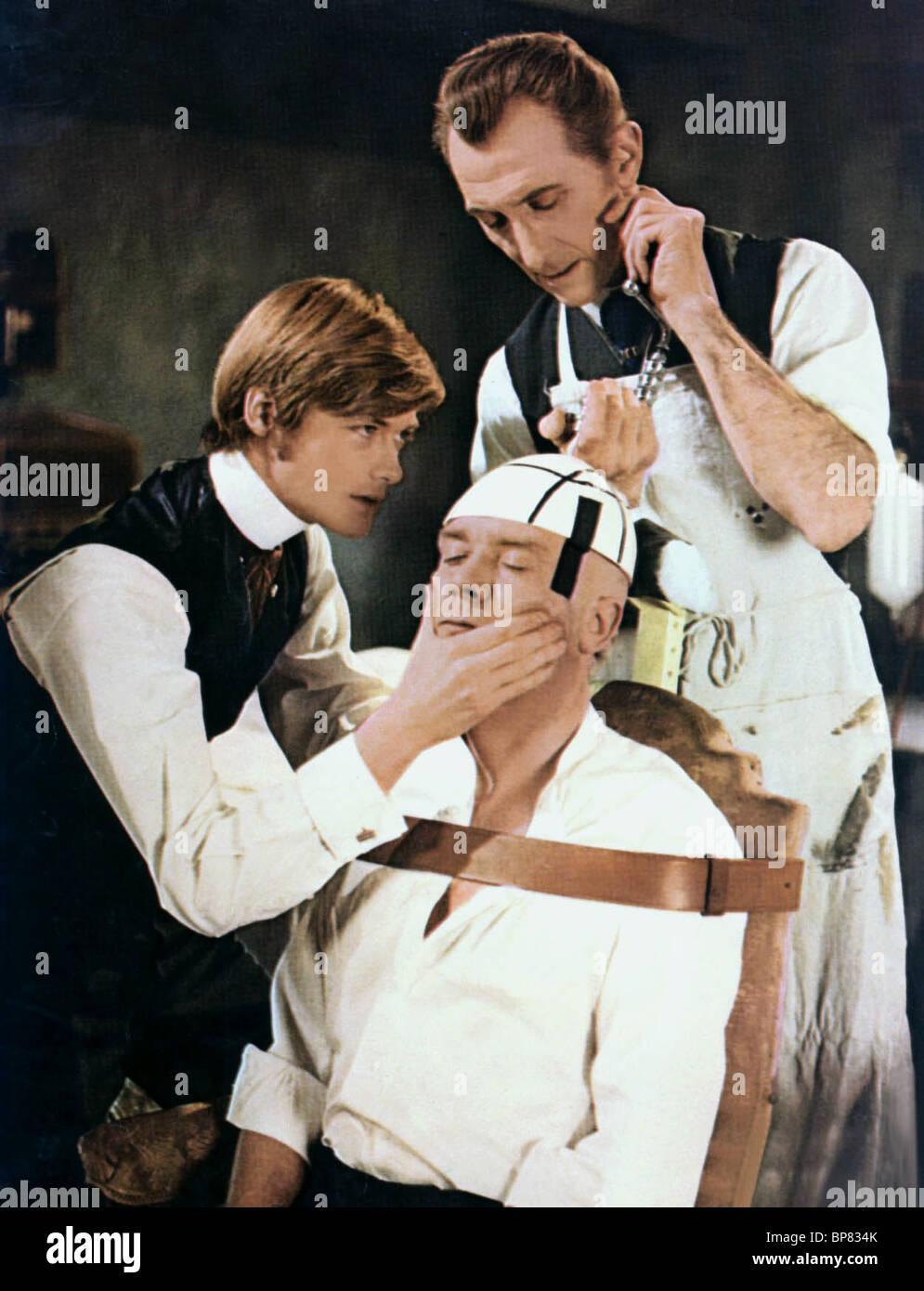 SIMON WARD & PETER CUSHING FRANKENSTEIN MUST BE DESTROYED (1969) - Stock Image