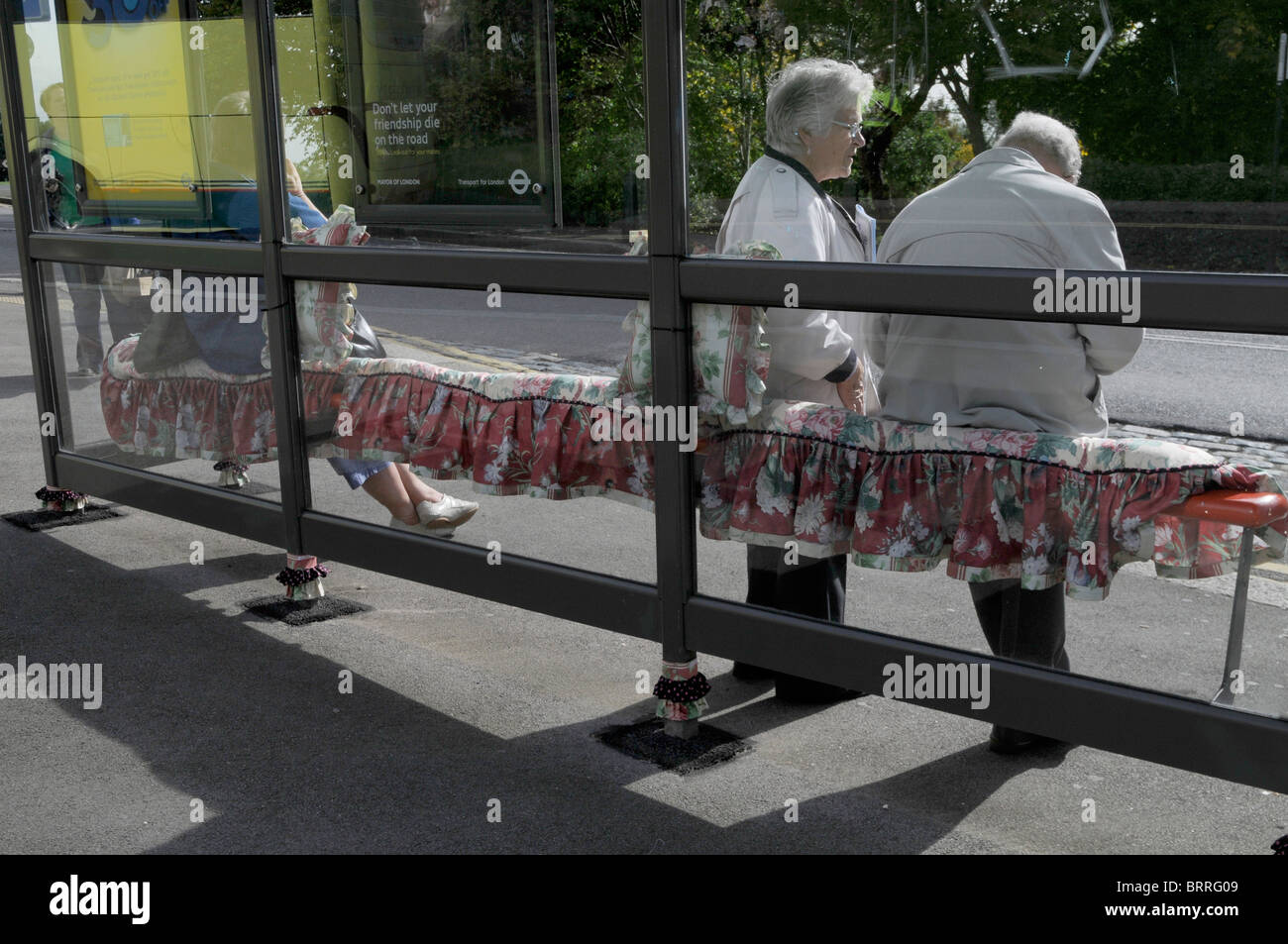 SPECIAL DECORATION TO BUS STOP FOR KNITTING AND STITCHING FESTIVAL IN LONDON - Stock Image