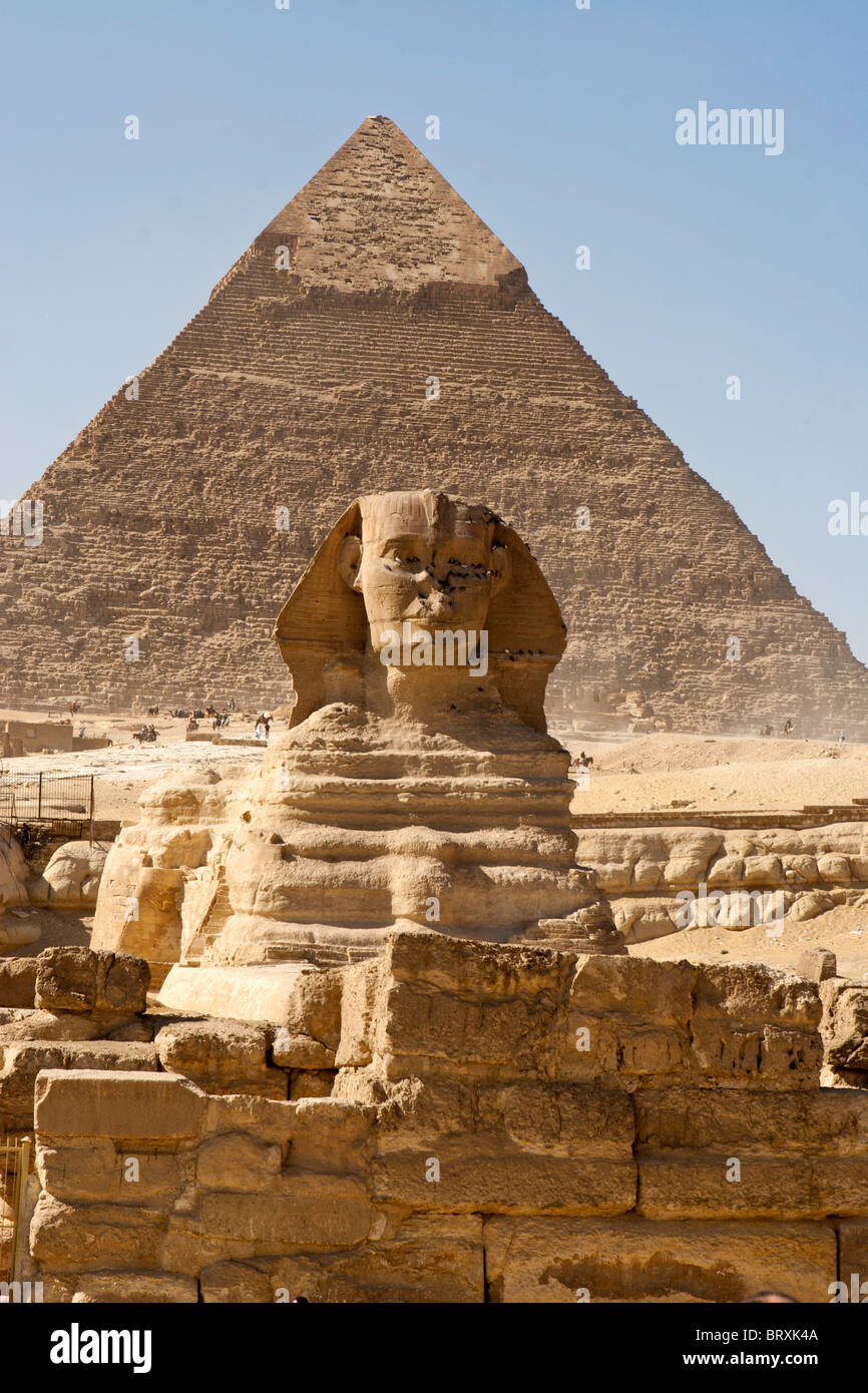 the great sphinx and pyramid of khafre chephren at giza egypt