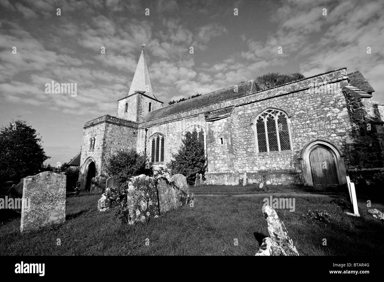 St. Nicholas Church, Pluckley. Reputed to be haunted by two ghosts - Stock Image