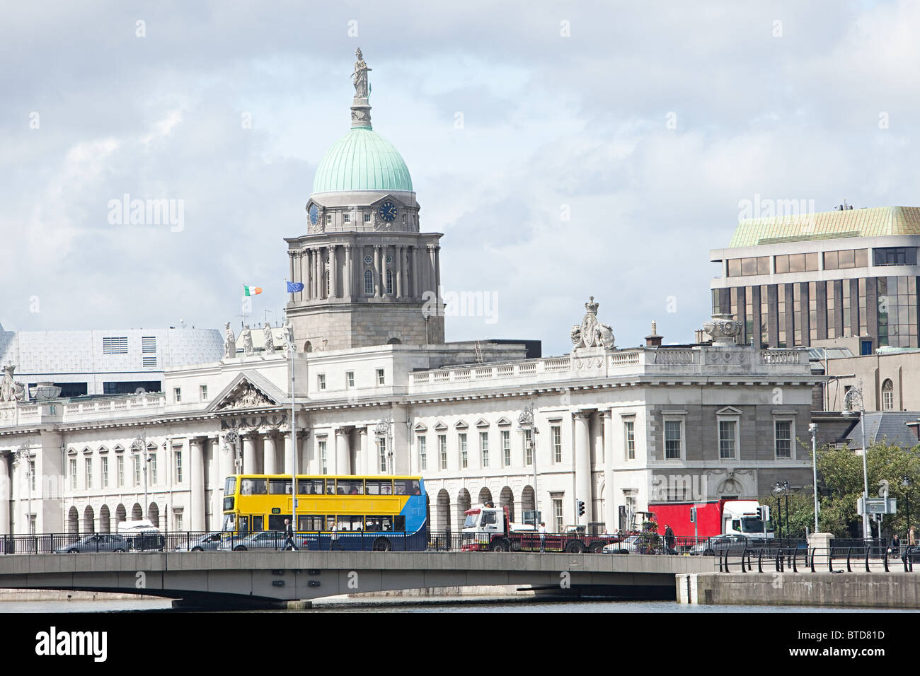 The Custom House and Georges Quay, Dublin, Ireland - Stock Image