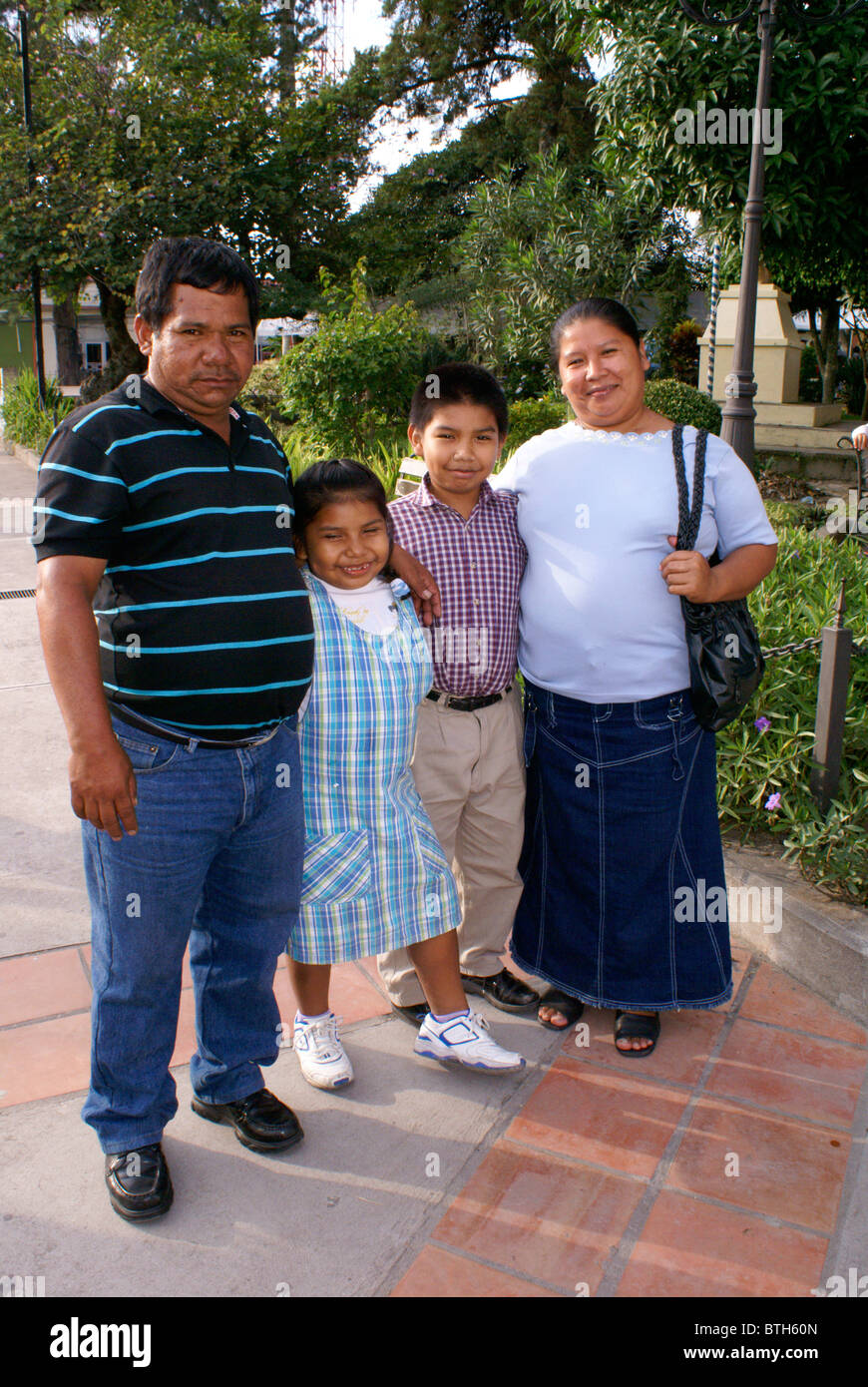 family-from-el-salvador-visiting-santa-r