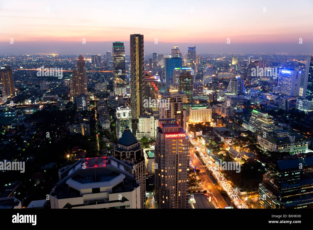 View of business district, Bangkok, Thailand - Stock Image