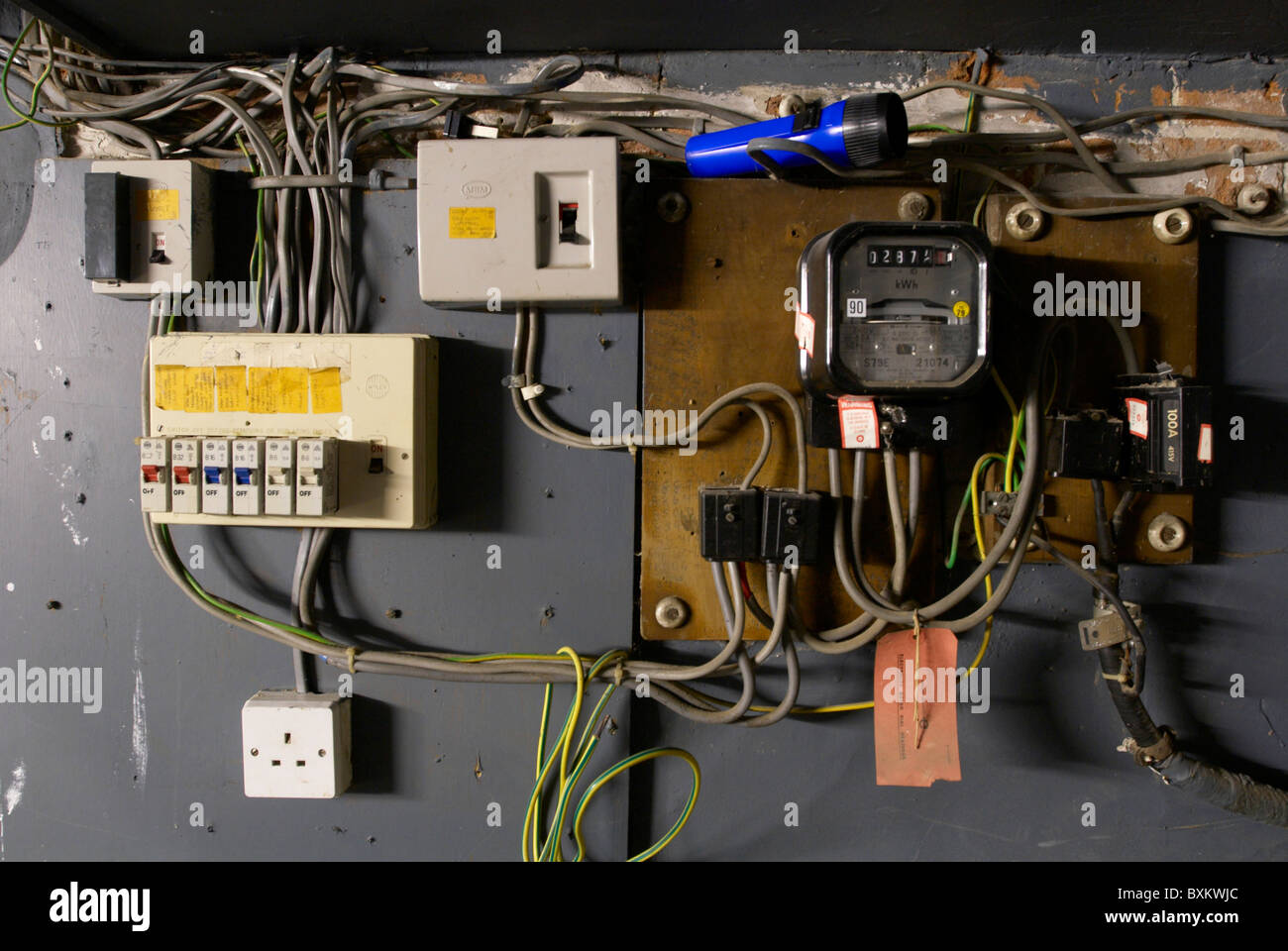 how to replace a fuse box switch   32 wiring diagram
