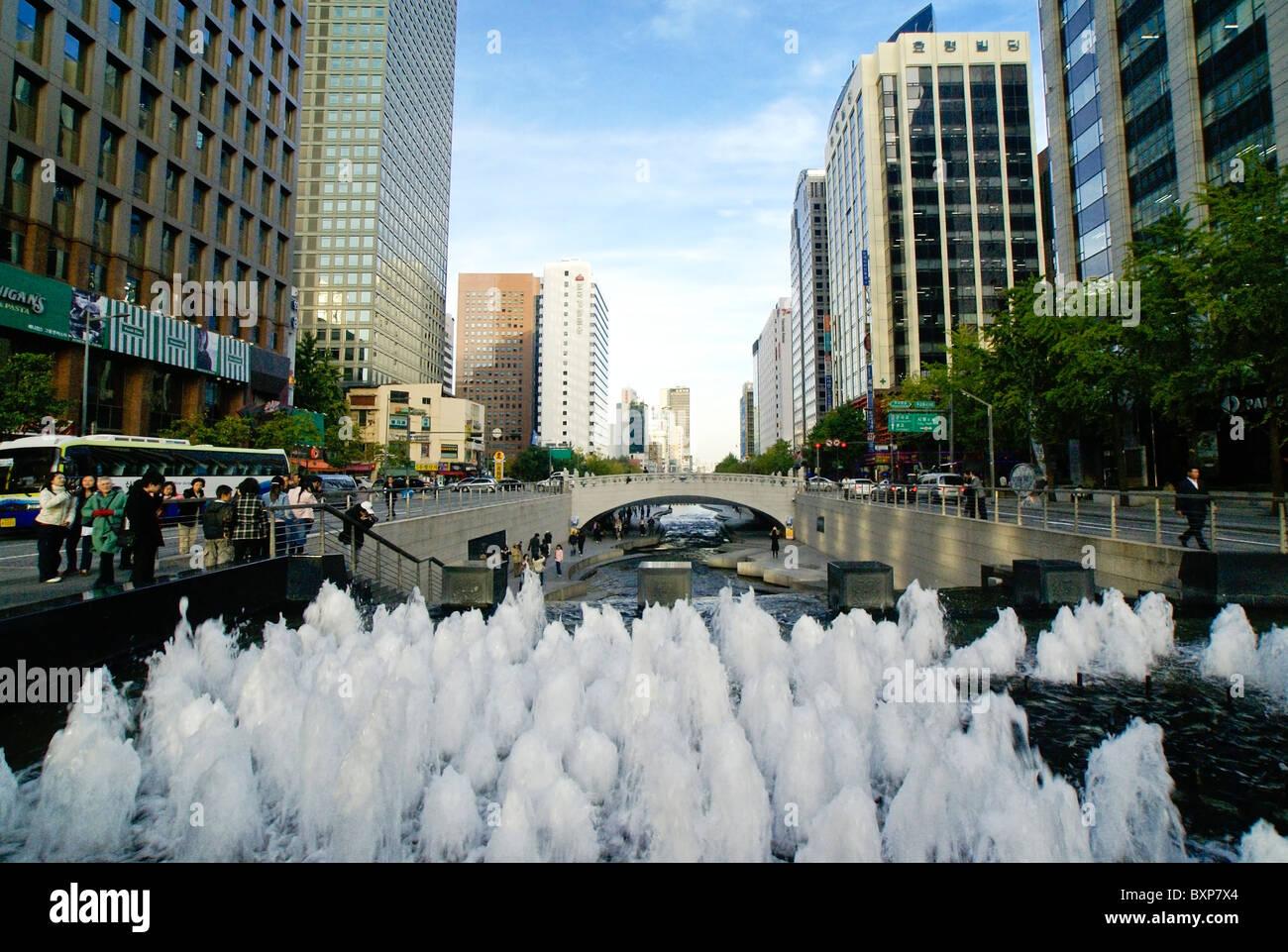 Cheonggye Stream running through business district, Seoul, South Korea - Stock Image