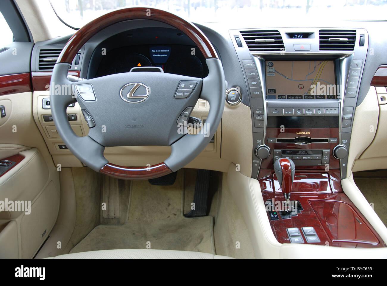 Lexus Ls 460 Awd My 2006 White Premium Japanese Luxurious