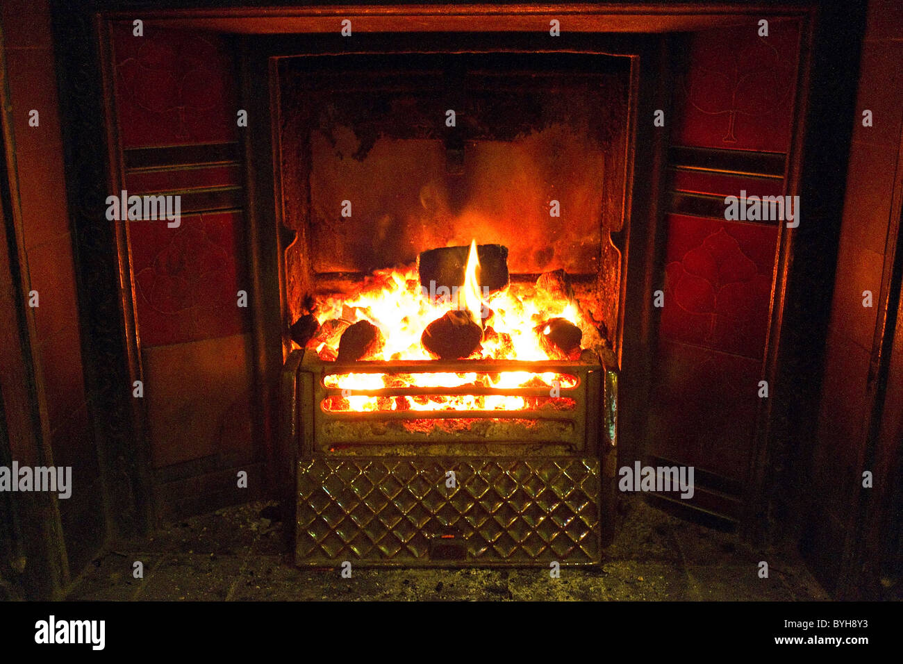 A Roaring Coal Fire In A Traditional Fireplace Stock Photo 34186295