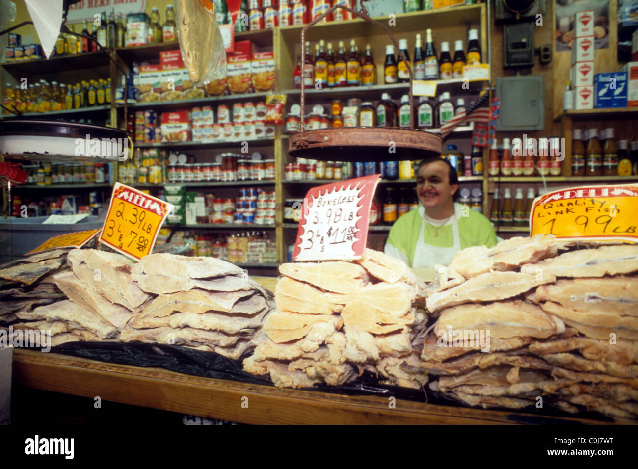Merchants at La Marqueta in Spanish Harlem in New York in 1985 Stock Photo