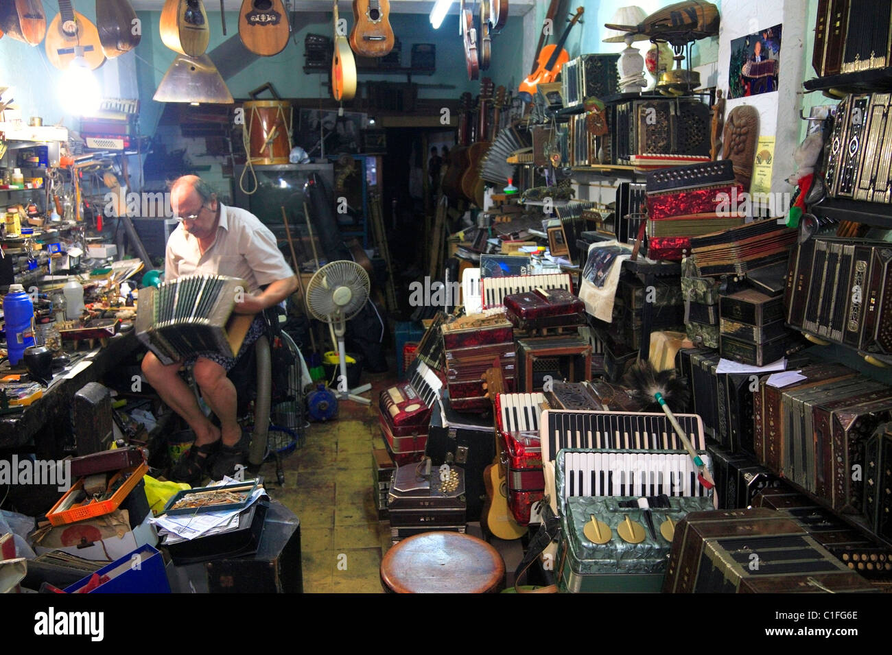 'bandoneon Store': tango luthier working at his studio in montevideo, Uruguay. - Stock Image