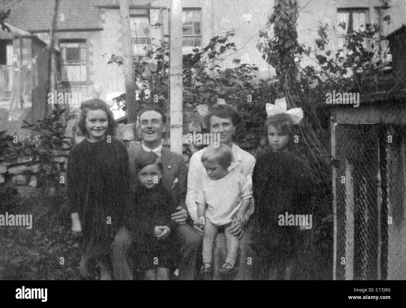 family-group-portrait-around-1920-cogan-