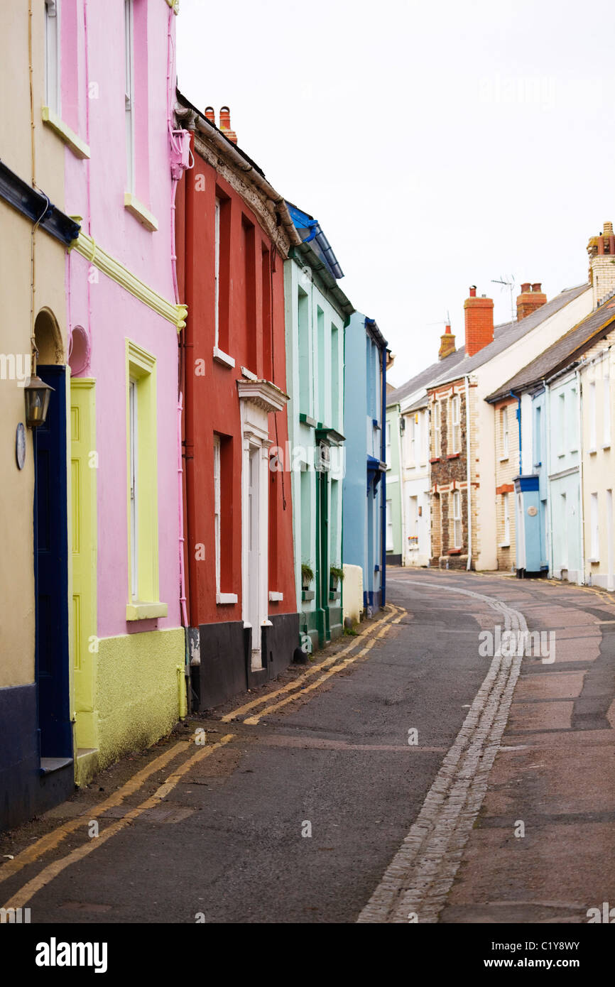 colourful-fishermans-cottages-in-appledo